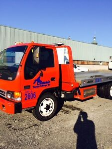 2004 GMC W5500 Flatbed Tow Truck