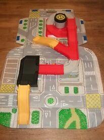 ELC Big City Carry Along Road & Car Play Mat Set (Fold Away)