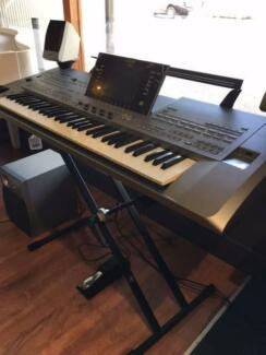 Tyros 5 61XL - Demo Model 1 only NOW $5,895
