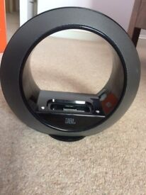 JBLradial micro loudspeaker dock for iPod