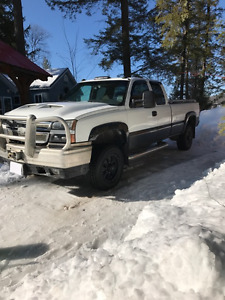 2006 Chevrolet 3500 Truck, ext cab ,8ft box