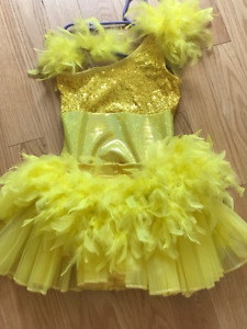 Feathers and more... Super cute dance costume