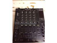 Pioneer DJM800 Mixer & Flightcase