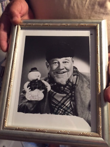 Burl Ives personally signed with proof!!