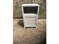 White bedside cabinet in very good condition