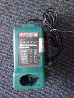 Makita Drill Battery Charger  P140340-4
