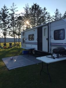 2002 Wildwood 26' Camper Includes this Winter inside storage