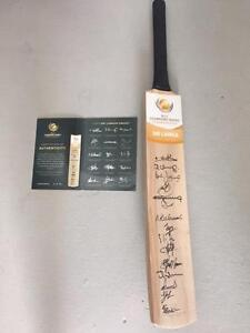 2013 Sri Lankan Squad Signed Cricket Bat Aspley Brisbane North East Preview