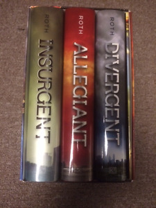 hard cover book set of DIVERGENT SERIES (like new condition)
