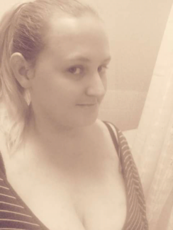 Wanted: 27yo Female looking to rent a room bayside area Melbourne
