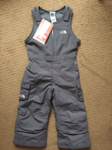 Brand New North Face Insulated Bib Snow Pants (Size 3T)