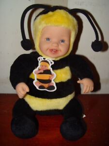 ANNE GEDDES BUMBLE BEE  / Tigger BABY DOLL & Play kitchen