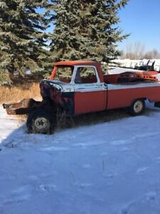 1965 Ford Custom Cab pick up for parts