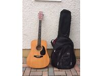 Acoustic Guitar and Padded Gig Bag suit beginner - £15