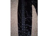 New women's black leggings size S/M-post it