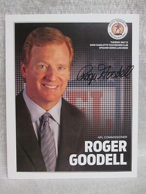 Roger Goodell Signed Nfl Commissioner  2009 Bronko Nagurski Football 8X10 Photo