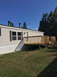 2 Bath 3 Bdrm Country Close to Town