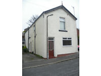 2 DOUBLE BEDROOM FLAT ON ALEXANDRA ROAD, HEELEY - FULLY FURNISHED - £495 PER CALENDAR MONTH