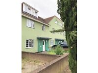 4 -5 BEDROOM HOUSE, LIVING ROOM,PRIVATE FRONT & REAR GARDEN 5 MINUTES WALK FROM LIMEHOUSE DLR