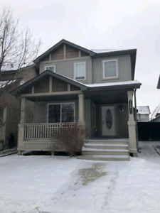 3 Bed House w/ Detached Garage in Rutherford