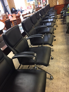LIKE BRAND NEW HIGH QUALITY LEAHTER COMPUTER CHAIRS