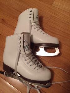 Jackson Glacier 120 Girls' Figure Skates (Youth size 1)