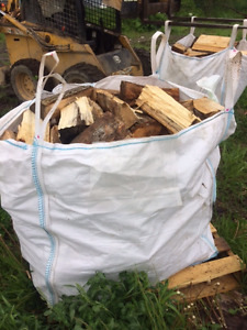 bois de foyer extérieur ou camping