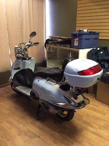 Scooter 49cc Year 2015 LIKE NEW