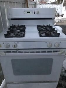 General Electric Self Cleaning Gas Stove