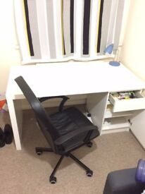 £120 Desk, Chair Included