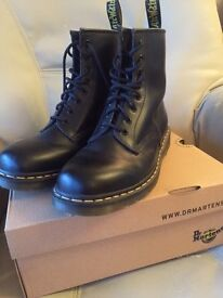 Dr Martens 1460 Black Smooth Boots Boxed and in Excellent Condition (worn once) Size 10