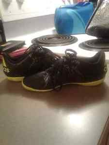 Adidas children's soccer indoor shoes size 13