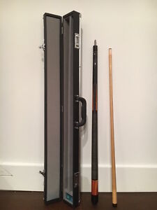 Dufferin Pool Cue with Hard Case