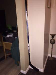 **** Bauer 100 Impact Adult Hockey Stick + Other Items ****