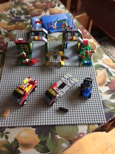 Jeu LEGO System 6434 -  Garage avec véhicules, figurines, outils