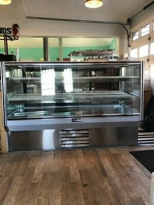 Refrigerated Bakery Display Case