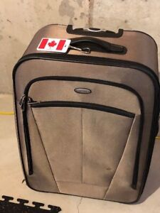 b90e47218 Suitcase | Find Used Stuff for Sale in Markham / York Region ...