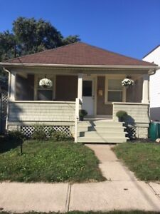 DOWNSIZE TO BUNGALOW NEAR GO - ST. CATHARINES