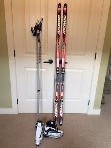 LADIES SALOMON SKATE SKI PACKAGE