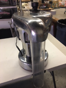 Commercial Cold Press Juicer for Sale!