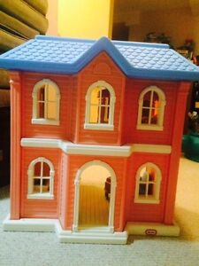 Large Doll House - Little Tykes