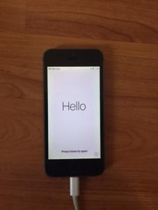 UNLOCKED 16GB iPhone 5S