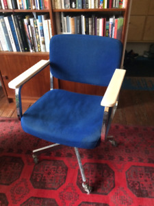 Rolling Mid Century Desk Chair Chrome with Blue Wool!