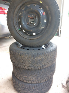 General winter ultimax on rims like new 185/60R14
