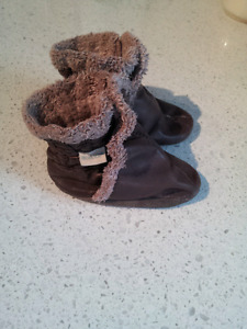 Robeez Brown Booties 6-12 months