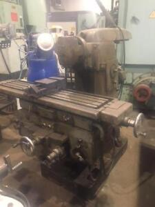 """(USED) UNIVERSAL MILLING MACHINE / TOS 12 x 54"""""""