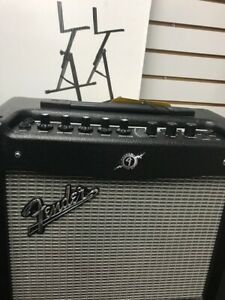 Fender Mustang 1 Amplifier