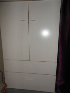 Belle commode blanche