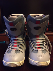 Mens' Ride Snowboard Boots Size 9