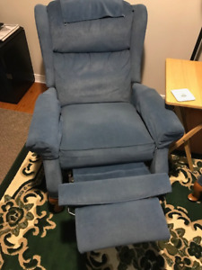 Two Classic LA-Z-BOY Recliners for Sale - BOTH for $270!